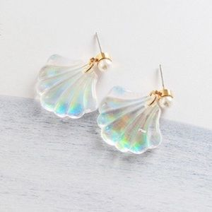 Jewelry - ARRIVED! Mermaid Resin Seashell Pearl Earrings